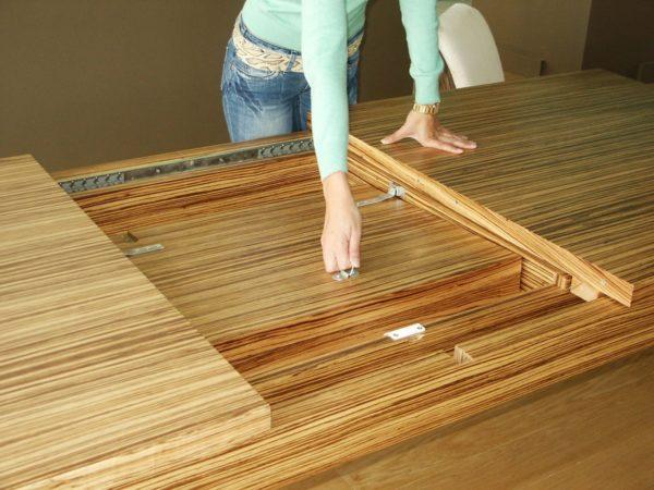 Раздвижной стол – функциональный элемент мебели, который не будет лишним в любом доме