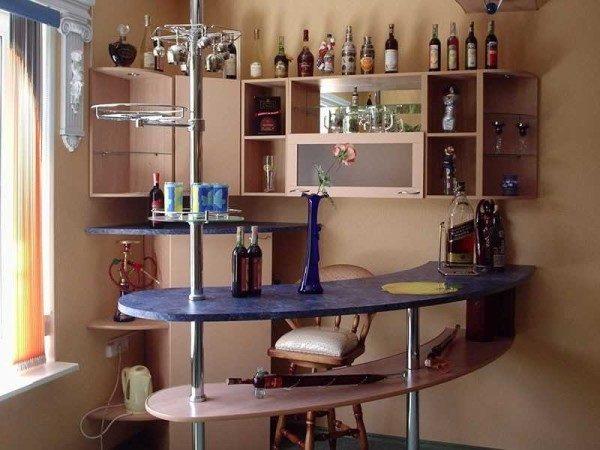 Барный столик является самостоятельным элементом мебели