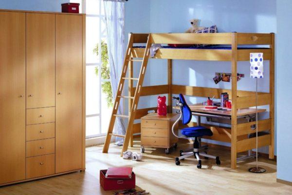 Мебель для школьников может быть яркой