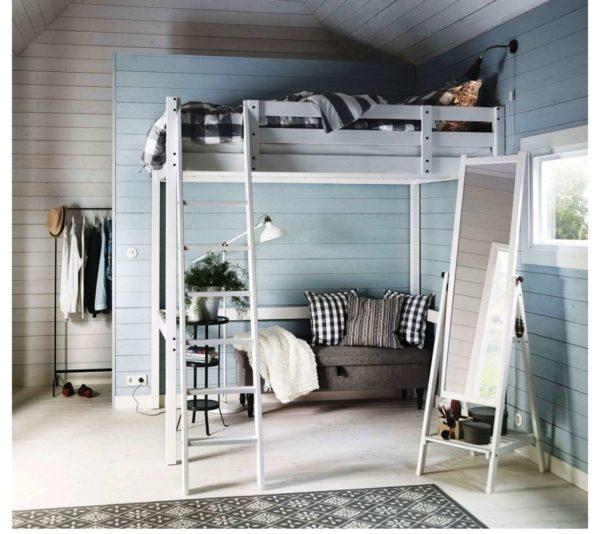 Приставная лестница должна быть надежно закреплена к корпусу кровати