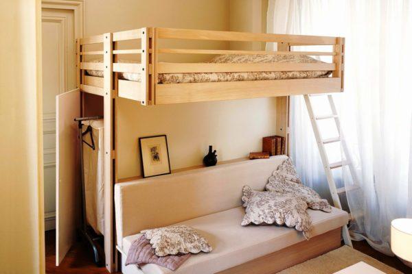 Многофункциональная конструкция с диваном и гардеробом