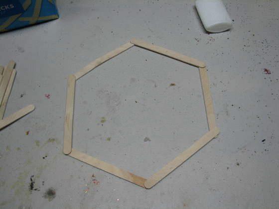 Шаг 3. Добавление трех палочек до формы шестиугольника