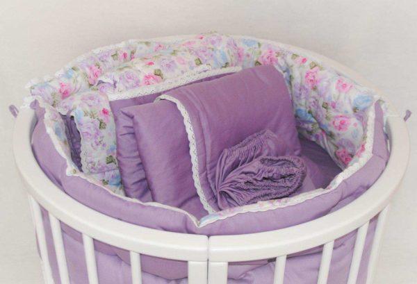 К выбору постельного белья для новорожденного следует подойти ответственно