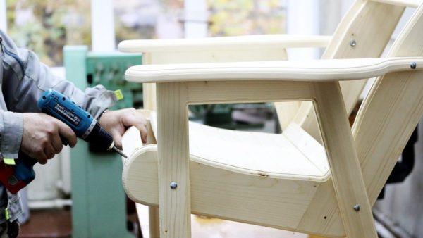 Изготовление деревянного стула с комфортными подлокотниками