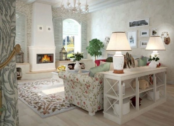 Отличительными особенностями стиля прованс являются естественная, безопасная, но, в тоже время, неповторимая отделка камина