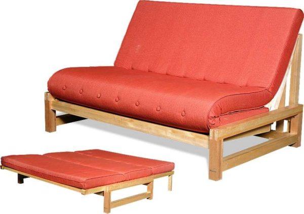 Диван-кровать в восточной стилистике удобен и красив