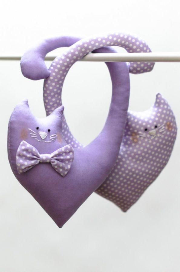 Фиолетовые котики из ткани