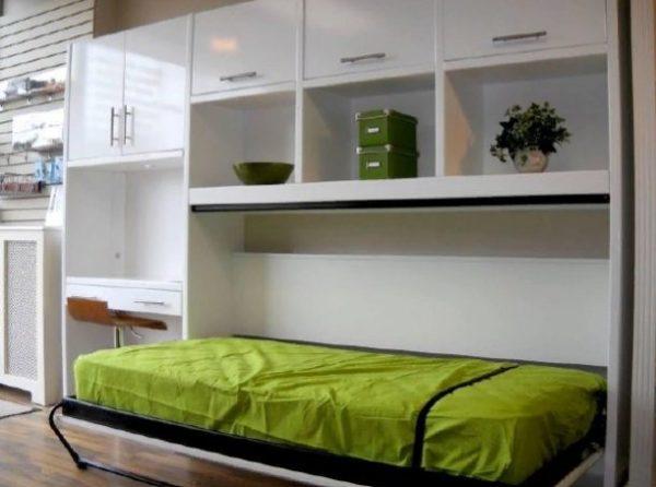 Горизонтально расположенная кровать