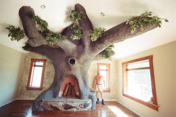 Камин в виде огромного дерева