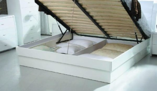 Место хранения под кроватью