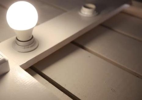 Вкрутите лампы и сделайте проверку