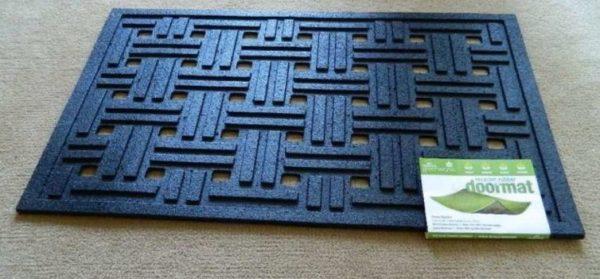 Резиновый коврик с отверстиями