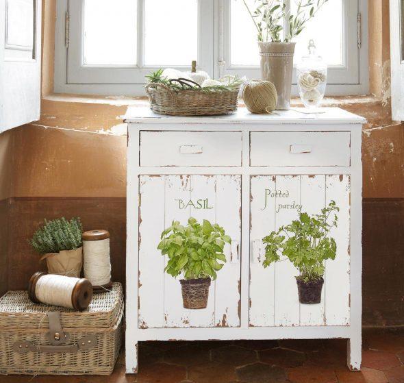 Старинный кухонный шкафчик