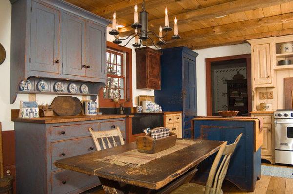 Стилизованная под старину мебель из массива может стоить очень недешево