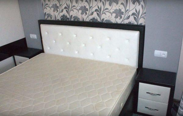 Так тумбы выглядят возле кровати