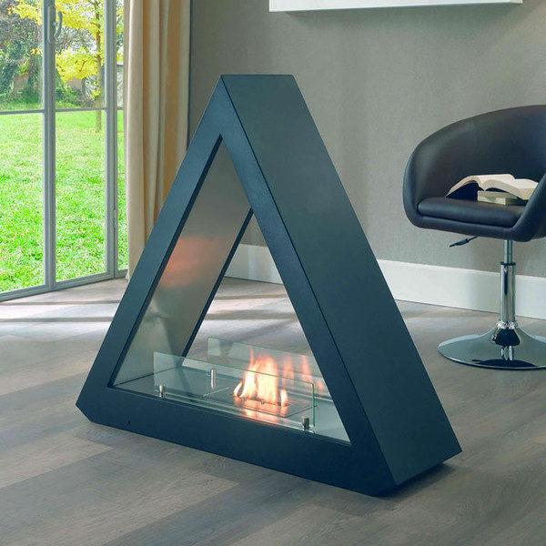 Треугольный камин
