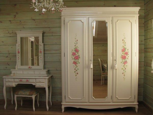 Винтажный шкаф и трюмо с росписью