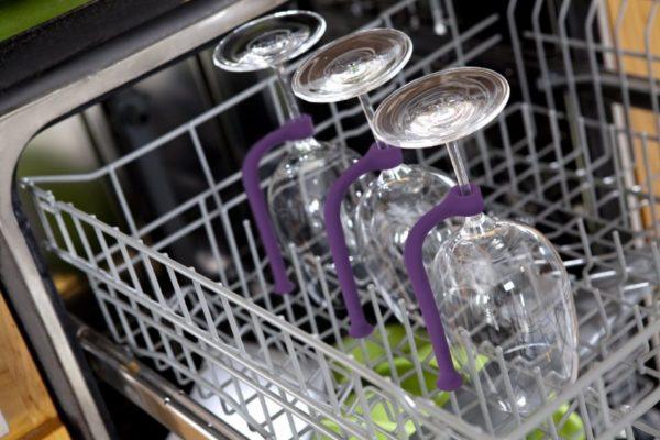 Закрепление хрустальных бокалов на ножке в посудомоечной машине