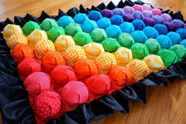 Как сшить одеяло бонбон?
