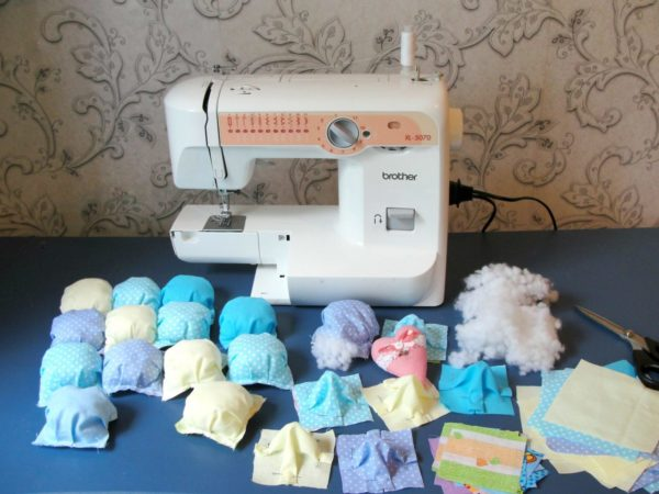 Традиционная швейная машина подходит для неплотных тканей