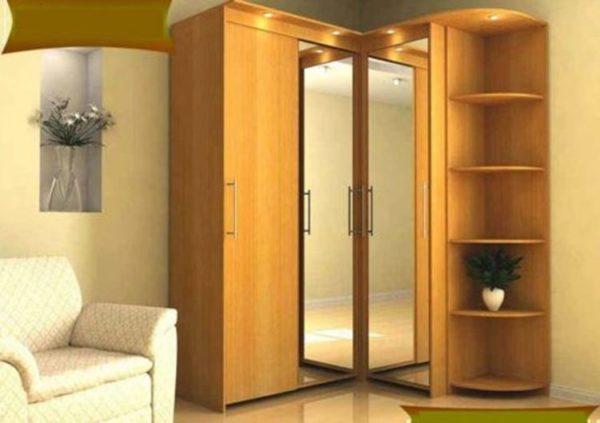 Угловой шкаф с зеркальными элементами