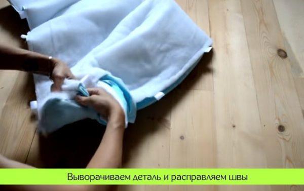 28-2-600x377 Как сшить бортики в кроватку для новорожденных своими руками