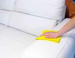 Уход за мебелью из экокожи